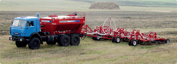 Автомобильный посевной комплекс AGROMASTER 9800 Авто интегрирован специально для автомобиля тягач КАМАЗ-43118